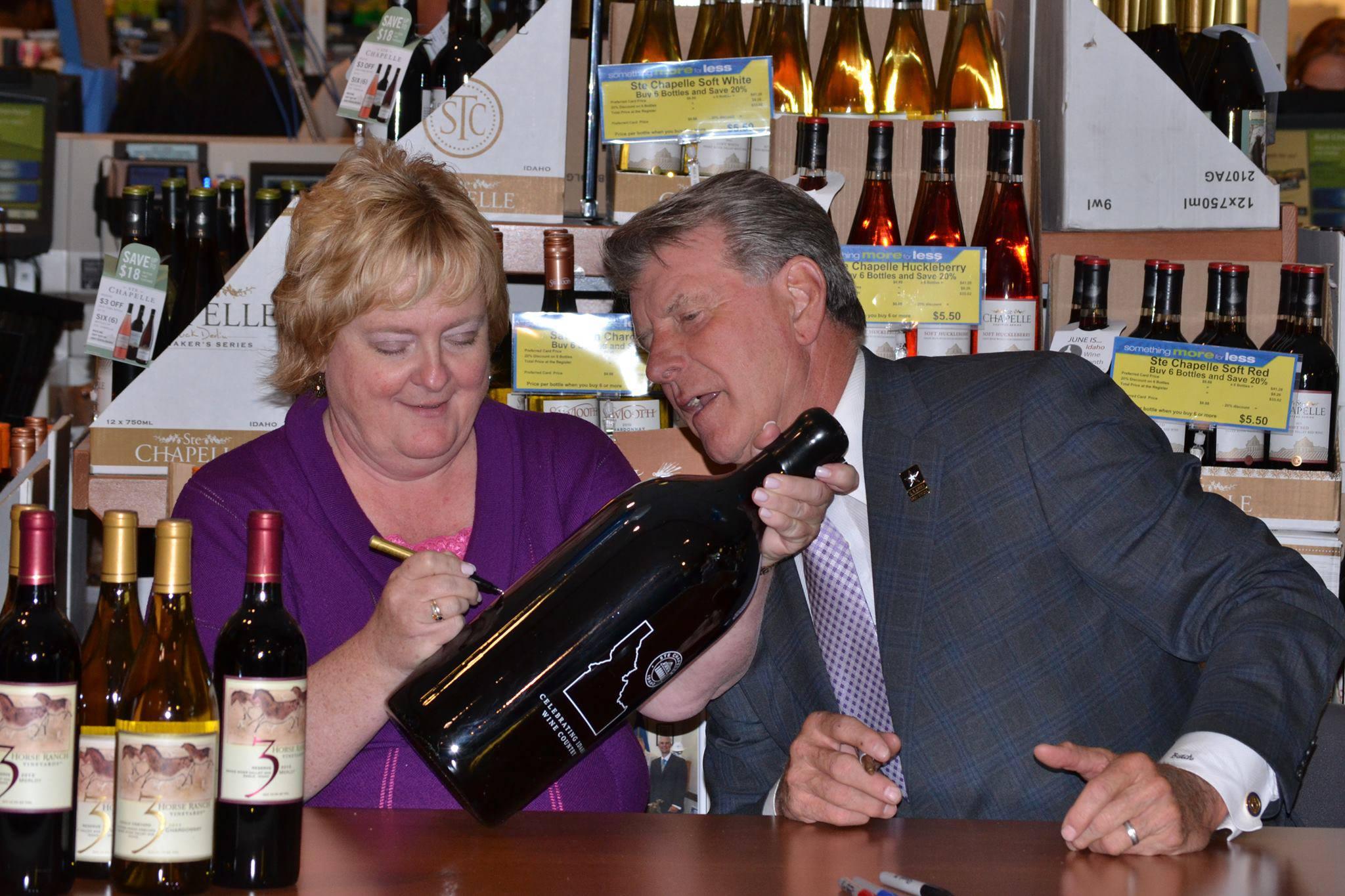 Maurine Johnson celebrates Idaho wine month with governor